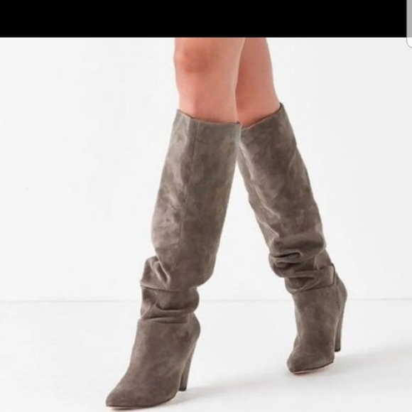 Urban Outfitters Shoes - Urban outfitters scrunch boots